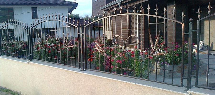 метални огради, огради от ковано желязо